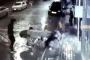 Sokak köpeğine işkence edenlerden 2'si yakalandı