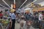 Katar'da halk, süpermarketlere akın etti