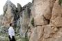 Antalya'da define avcıları tarihi alanı delik deşik etti
