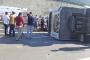 Hafriyat kamyonu işçi servisine çarptı: 10 işçi yaralandı