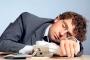 Yorgun uyanma ve horlamanın nedeni uyku apnesi olabilir