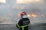 Antep'te fabrika yandı,  yakın evler boşaltıldı