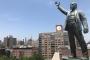 Finans dünyasının kalbinde bir Lenin el sallıyor
