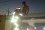 Vagon üzerinde selfie çekerken akıma kapılan genç öldü