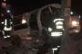 Mültecileri taşıyan minibüs devrildi: 1 ölü 19 yaralı