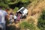 Tur midibüsü şarampole devrildi: 5 ölü, 26 yaralı