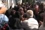 Suriyeli göçmenlere yardım esnasında izdiham yaşandı