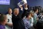 Trump, kasırga mağdurlarına kağıt havluları 'basket attı'