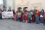 Foça'da veliler okul servislerini geri istiyor