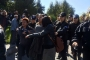 Meclis önünde 'Bu yasa geçmeyecek' diyen kadınlara saldırı