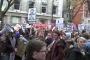 İngiltere'de öğrenciler parasız eğitim için sokağa çıktı