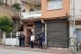 Adana'da silahlı bir kişi, bir erkek ve kadını rehin aldı
