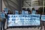 DEÜ'de atılan akademisyenler için destek pankartı açıldı