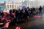 Avusturya'da ırkçıları barındıran koalisyon protesto edildi