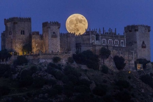 Dünyadan 10 Süper Ay