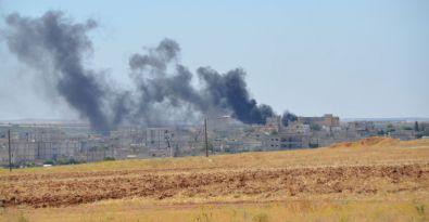 Kobanê'deki patlama anı kameralara yansıdı